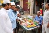 इत्र की खुशबू से सुगंधित हुआ बाजार