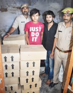 पुलिस ने पकड़ी हरियाणा की 45 पेटी शराब, दो आरोपी गिरफ्तार