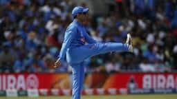 INDvsNZ: वॉर्म अप मैच में विकेट के पीछे नहीं, कुछ ऐसे नजर आए धौनी, देखें- VIDEO