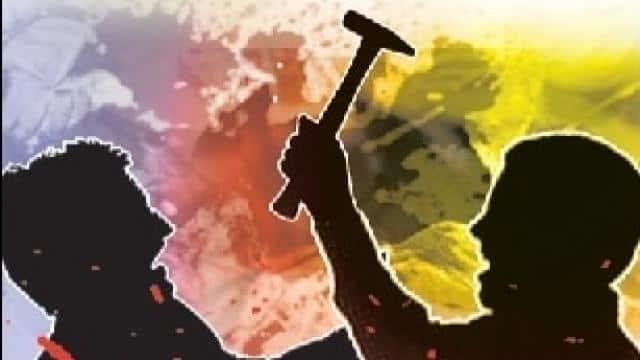 क्रिकेट मैच पर सट्टे के लिए रुपये न देने पर बेटे ने पिता को हथौड़े से मारा