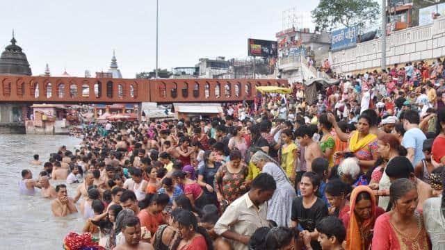 हरिद्वार: गंगा दशहरा में लाखों ने लगाई आस्था की डुबकी