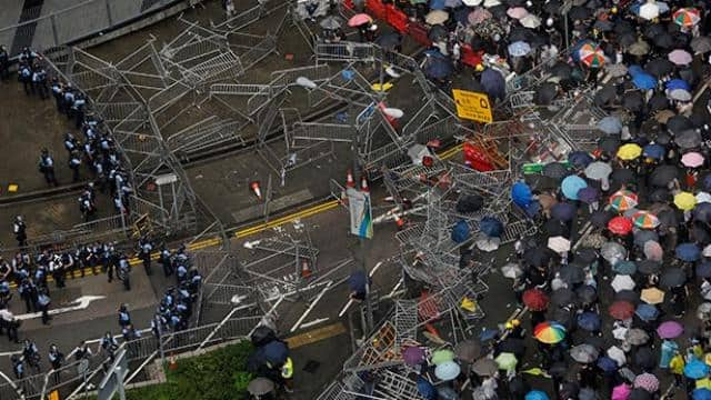 hong kong leader defiant as city gears up for fresh protests over extradition bill