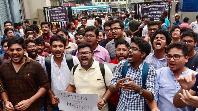 doctors strike continues against assault on junior doctors in west bengal on monday night