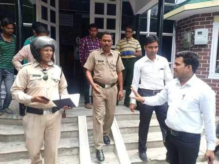 अधिवक्ता ने महिला चिकित्सक पर अभद्रता का लगाया आरोप