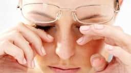 गर्मी में आंखों को बताएं कन्जंक्टिवाइटिस, जानें क्या है इसके कारण और बचने का उपाय