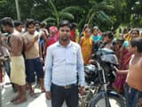 araria  three armed masked robbers robbed more than two lakh rupees from bandhan bank staff in forbe