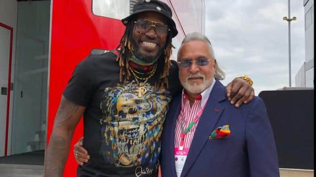 chris gayle trolls to share photo with vijay mallya
