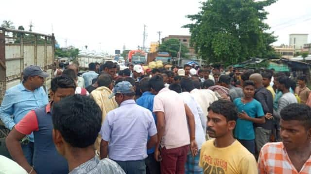 purnia  pick up crushes 13 year old child on nh 31and death on spot