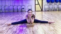 Malaika Arora ने किया split पोज में योगा, फोटो देखकर फैंस के उड़े होश