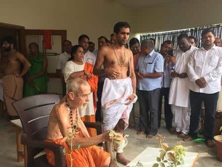 बुलंदशहर पहुंचीं उमा भारती, भृगु आश्रम में की पूजा-अर्चना