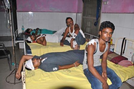 भूमि विवाद में दो पक्षों में खूनी संघर्ष, पांच घायल