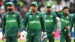 पाकिस्तानी क्रिकेटरों पर बरसे वकार यूनुस, सीनियर खिलाड़ियों को दी रिटायरमेंट की सलाह