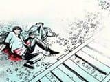 जौनपुर में दो बच्चों के साथ मां ट्रेन के आगे कूदी, तीनों की मौत