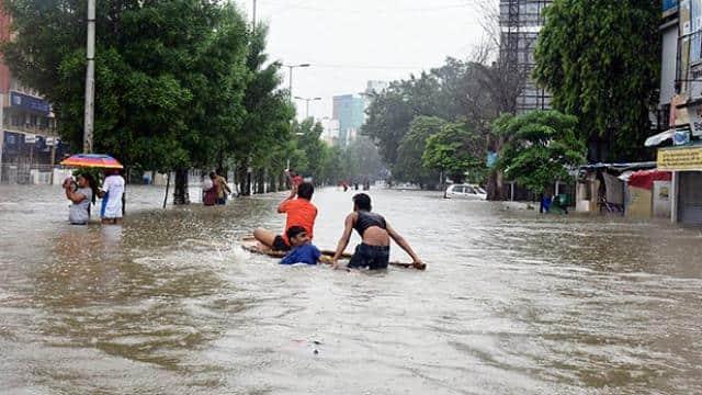 4 killed  5 000 evacuated as flood hits life in vadodara