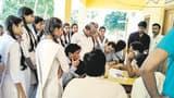 दबंगों के खिलाफ छात्राओं ने बंद कराया कॉलेज
