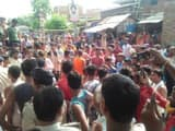 angry villagers blocked road after rumors of five kids kidnapped together in bhagalpur