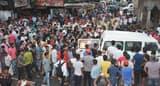 युवक की हत्या के विरोध में सड़क जाम