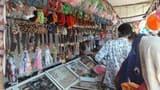 मेला छड़ी जाहर दीवान में बढ़ी भीड़, चढ़ाया प्रसाद