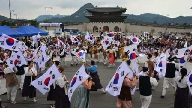 दक्षिण कोरिया और उत्तर कोरिया की आजादी