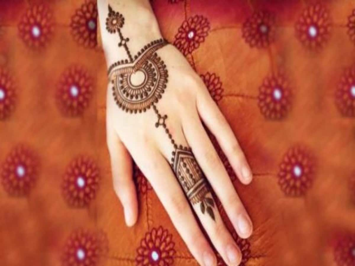 mehandi design simple mein