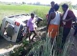 ट्रक ने लक्जरी जीप में मारी टक्कर, चालक घायल