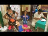 brave woman  woman caught to criminal who snatched earrings in train in lakhisarai