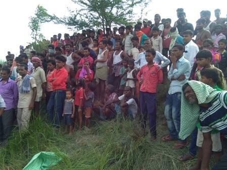 मोतीपुर में पत्नी के शव को टुकड़े-टुकड़े कर पोखर में फेंका
