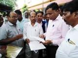 बौद्ध महासभा कार्यकर्ताओं ने तहसील कार्यालय पर किया प्रदर्शन