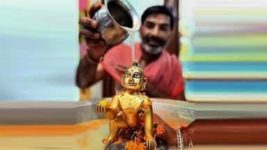 Janmashtami: ग्रहों की स्थिति आज भी कृष्ण जन्म जैसी, यह है पूजा का विधान