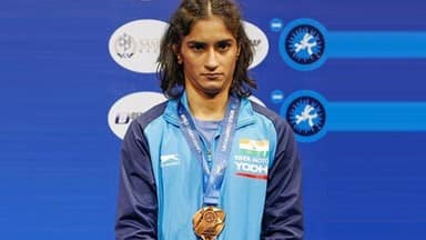 vinesh phogat qualifies for 2020 olympics