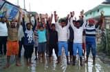 मार्ग पर जलजमाव से आक्रोशित ग्रामीणों ने किया प्रदर्शन
