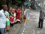 गोलू मंदिर में पशुबलि के लिए लाई बकरियां वापस लौटाई