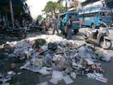 दो अक्टूबर को प्लास्टिक मुक्त शहर बनाने की शपथ के बाद मुख्य बाजार में लगे कचरे के ढेर
