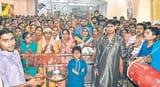 मंदिरों में गूंजा जय-जयकार ,मां कालरात्रि को चढ़ाई चुनरी लिया आशीर्वाद