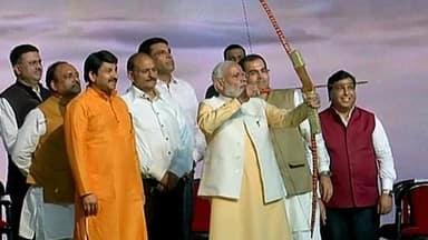 prime minister narendra modi at dussehra festival