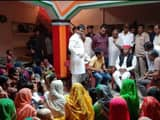 akhilesh yadav met pushpendra yadav family