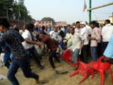 rampage and throwing chair on each others by supporters during garland on tejaswi yadav at saharsa