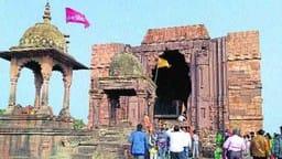 पढ़ें बेतवा तट पर ऐतिहासिक शिव मंदिर के बारे में