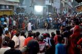 भोजपुरी फिल्म शंकर की शूटिंग देखने उमड़े लोग
