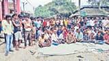 बेगूसराय : भगवानपुर में पुलिस अधिकारी की पिटाई से नाराज दुकानदारों ने हरिचक बाजार किया बंद, जाम की सड़क