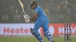 INDvsWI,1st ODI LIVE: वेस्टइंडीज को मिली 5वीं सफलता, ऋषभ पंत हुए आउट