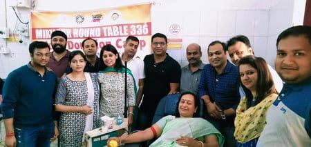 राउंड टेबल क्लब के सदस्यों ने किया रक्तदान