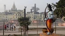 आशंकाओं के बादल छटे: कार्तिक पूर्णिमा पर सरयू में स्नान के लिए अयोध्या पहुंच रहे श्रद्धालु
