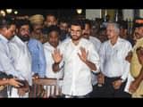 shiv sena leaders aaditya thackeray and eknath shinde along with party leaders at a press conference