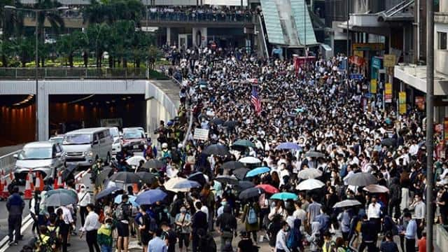 violent protest continues in hong kong on fourth day