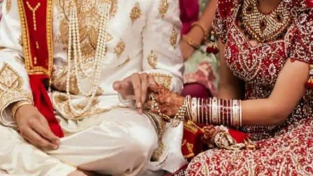 लखनऊ में 200 पुलिसकर्मियों ने मांगी शादी के लिए अवकाश, जानें पूरा मामला