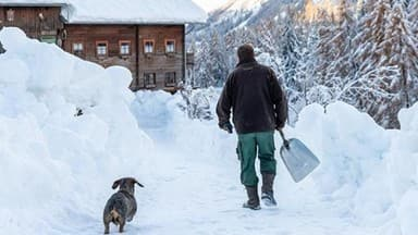 extreme snow and rainfalls cause massive dangers and disabilities in parts of austria