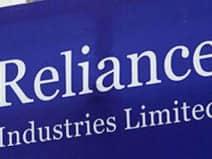 टॉप-10 में से आठ कंपनियों का मार्केट कैप 1.38 लाख करोड़ रुपये घटा