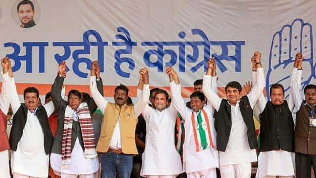 rahul gandhi during an election campaign rally in simdega jharkhand