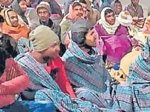 RRB Group D भर्ती 2019: भूख हड़ताल पर बैठे दिव्यांगों की तबीयत बिगड़ी
